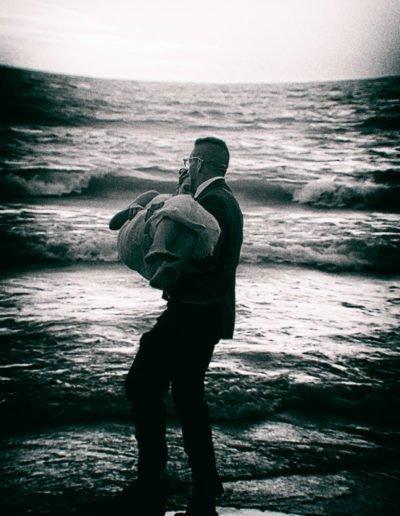 bride-and-groom-on-beach-01