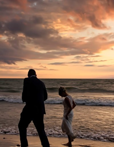 bride-and-groom-on-beach-03